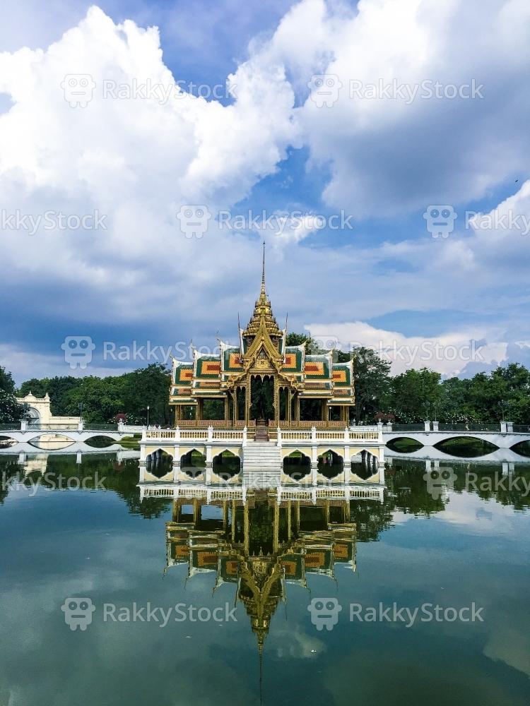 Phra Thinang Aphorn Phimok Prasat, Bang Pa In Royal Palace
